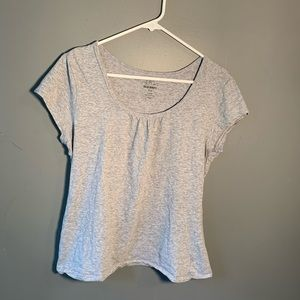 Old Navy Scoop Neck Cap Sleeve T-Shirt Light Gray
